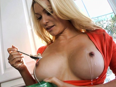 Heather Vandeven gets her boobs wet with milk