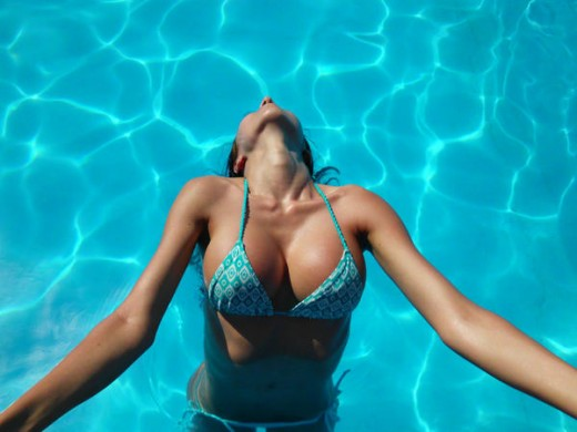 LiveJasmin camgirl 01PerfectSlutt enjoying the pool