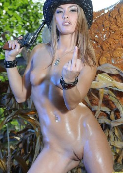 oiled up Veronika Fasterova
