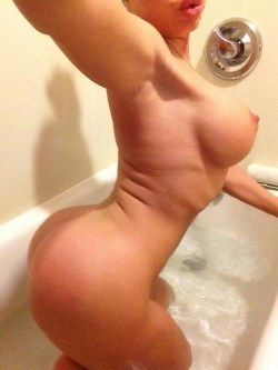 naked selfie by Nikki Delano in bath
