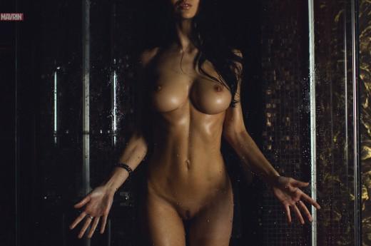 wet Mavrin model in shower