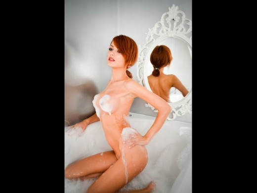 redhead Live Jasmin camgirl MissyKate all soapy and wet in bath