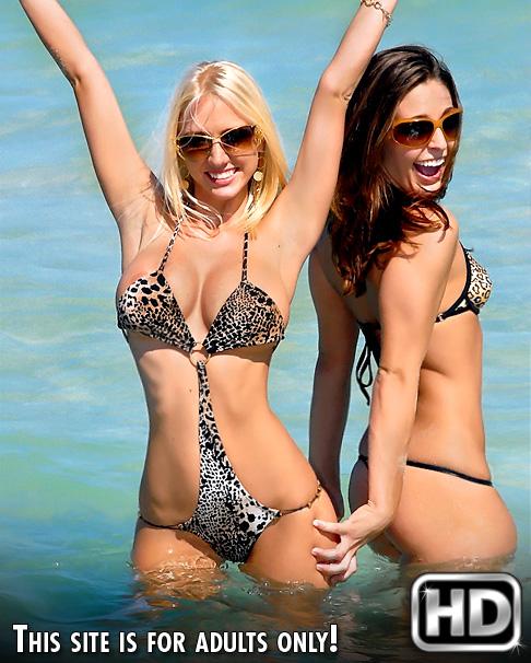 Molly Cavalli & Gracie Glam posing in ocean