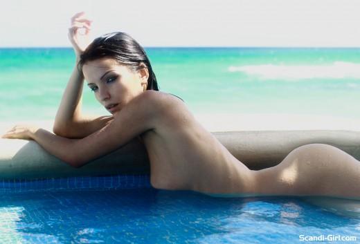 Ayya enjoys the exotic outdoors pool naked